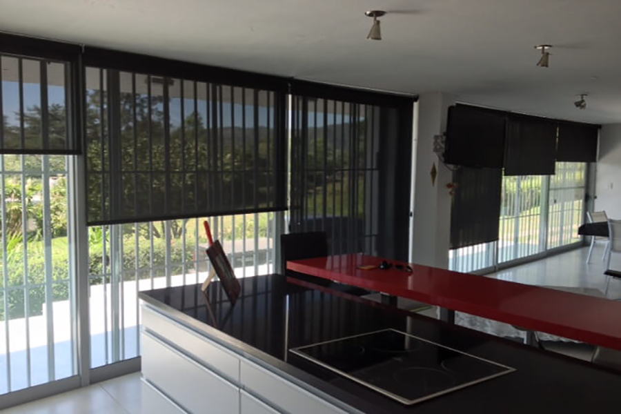 Cortinas Roller SunScreen Negro Mar del Plata